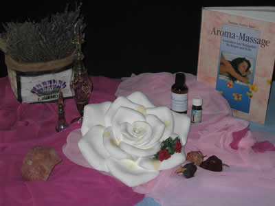 Aromamassage und Therapie